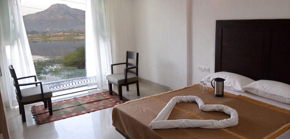Hotel Vishala S The Raj Kesar Regency Udaipur Rajasthan Hotels